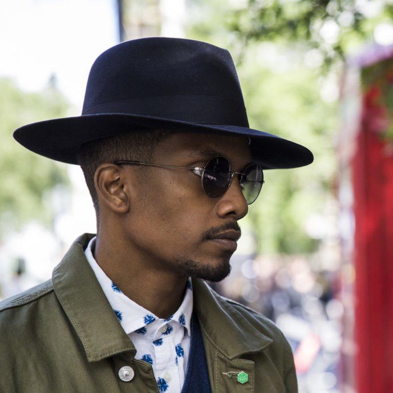 Moda uomo: outfit per un'estate in città
