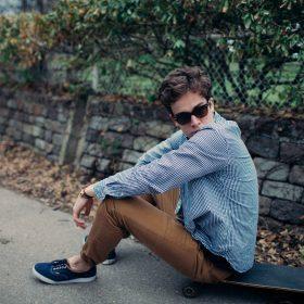 I must-have della moda uomo per un'estate in città.