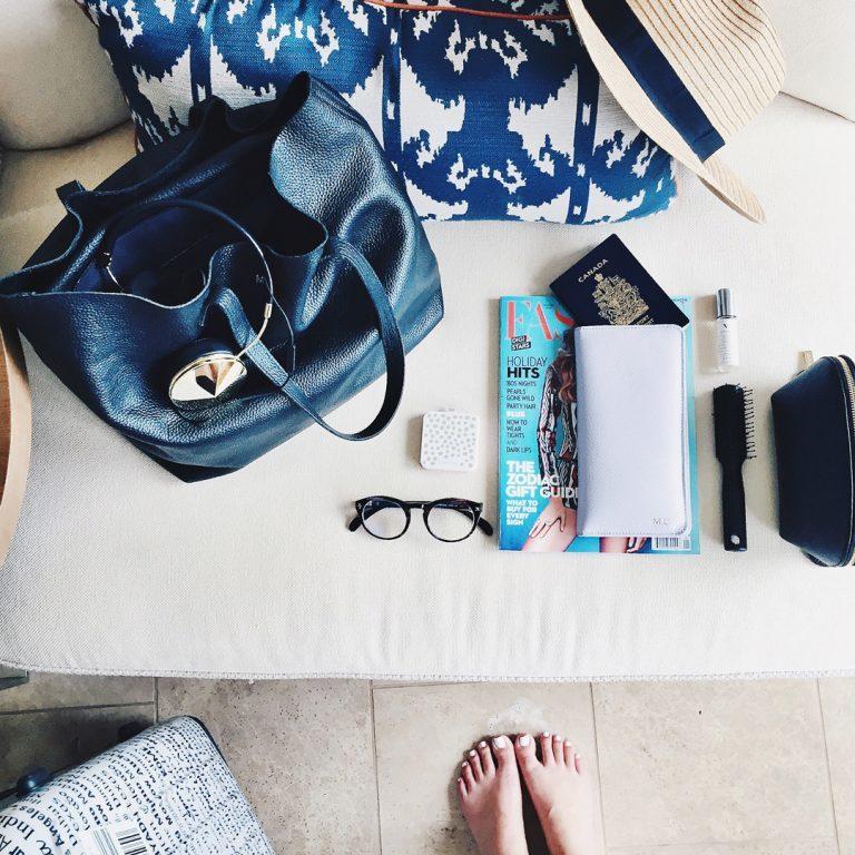 Gli accessori da viaggio che vi aiuteranno a superare un lungo viaggio in aereo