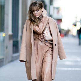 Il cappotto cammello