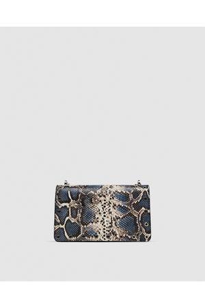 Tracolla Con Dettagli Sul Manico Tasche Mini borse donna | Zara Italia from Zara on 21 Buttons