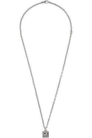 Gucci Collana con croce G Quadro in argento
