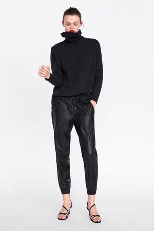 Zara Pantaloni zw premium jogger faux leather