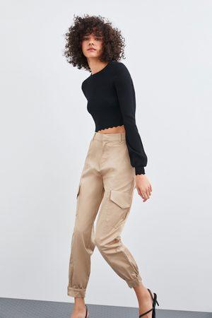 Zara Pantaloni cargo satinati