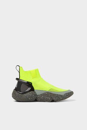 Zara Sneakers a stivaletto calzino fosforescente