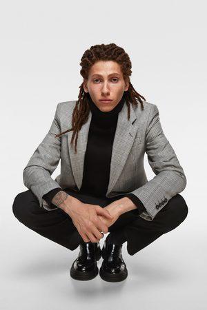 Zara Pullover in maglia collo alto applicazioni