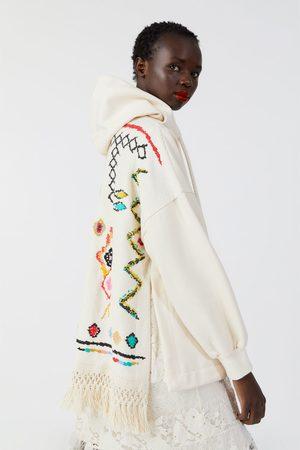 Zara Felpa oversize combinata frange