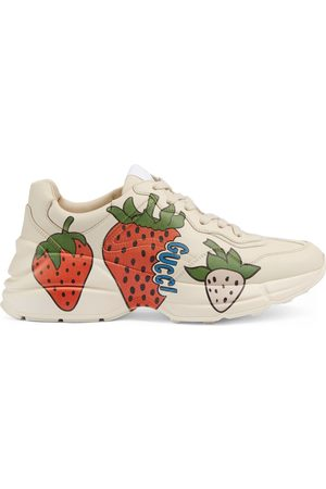 Gucci Sneaker Rhyton da donna con Strawberry