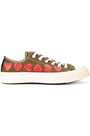 Comme des Garçons Sneaker x Converse kaki con cuori
