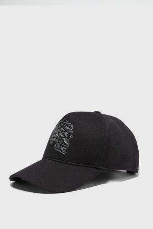 Zara Cappello teschio rilievo