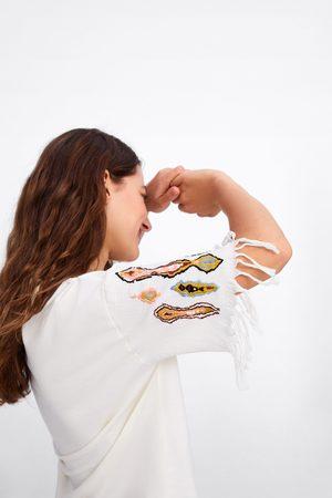 Zara Maglietta con ricami e frange