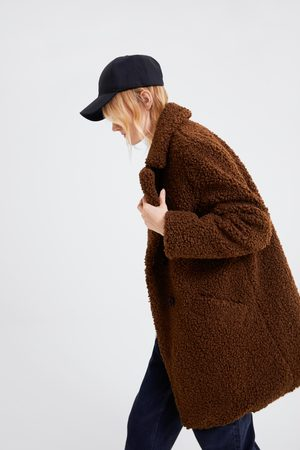 Immagine 1 di CAPPOTTO PELLICCIA SINTETICA SOFT di Zara
