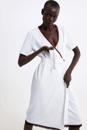 Zara Vestito incrociato con finiture a contrasto