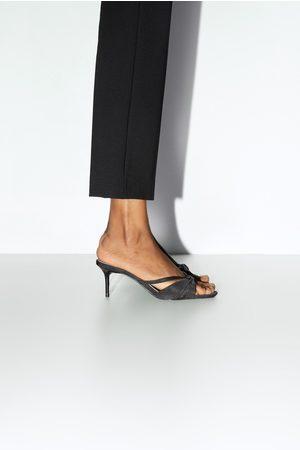Zara Sandali con tacco medio design pieghettato
