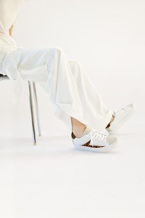 Zara Sneakers stampa animalier borchie