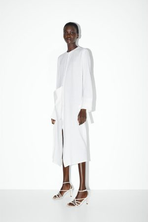 Zara Sandali con tacco in pelle punta quadrata