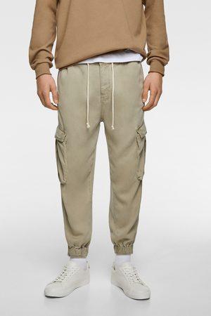 Pantaloni Cargo from Zara on 21 Buttons