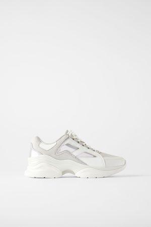 Zara Sneakers con rete ed elementi brillanti