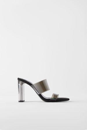 Zara Sandali in vinile con tacco in metacrilato