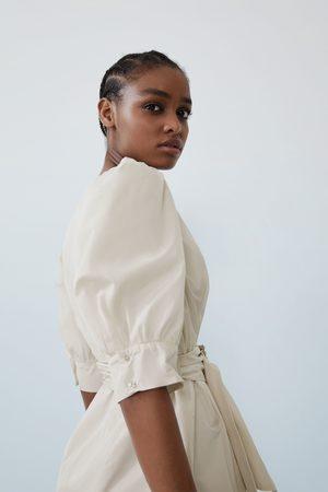 Zara Vestito con volume e cintura