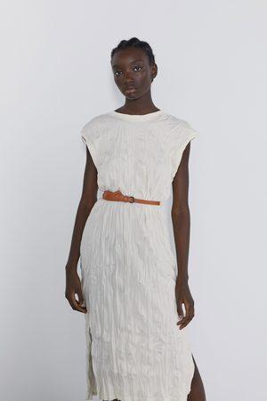 Zara Vestito effetto stropicciato con cintura