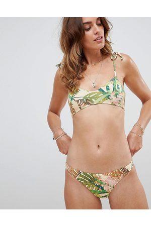 Vitamin A Luciana - Slip bikini a taglio ampio con stampa di palme