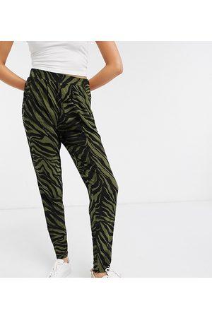 ASOS ASOS DESIGN Tall - Pantaloni con pence e stampa animalier kaki