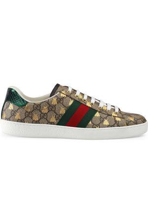 Gucci Sneaker Ace uomo in tessuto GG Supreme con api