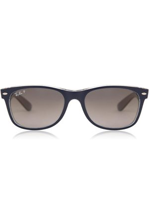 Ray-Ban Occhiali da Sole RB2132 New Wayfarer Polarized 6053M3