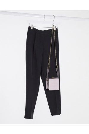 New Look Pantaloni slim neri in coordinato
