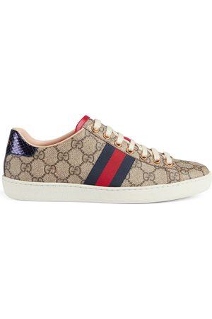 Gucci Sneaker Ace donna in tessuto GG Supreme