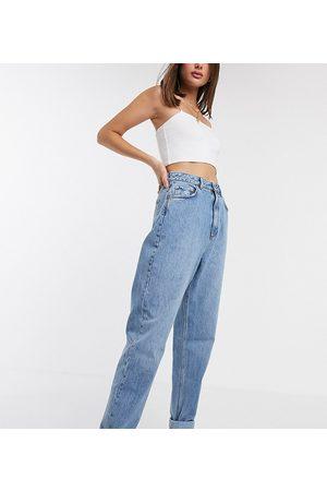 ASOS ASOS DESIGN Tall - Mom jeans vita alta larghi lavaggio medio
