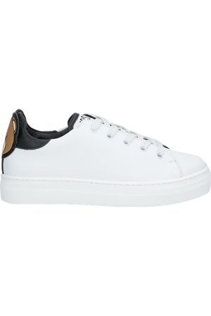 Moschino Bambina Sneakers - CALZATURE - Sneakers & Tennis shoes basse