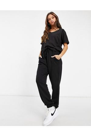 Missguided Set joggers e T-shirt in coordinato