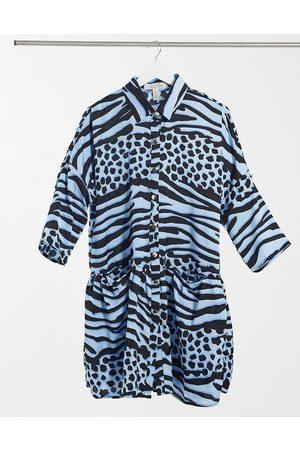 Liquorish Vestito a portafoglio corto oversize in stampa animalier