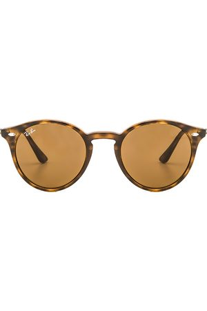 Ray-Ban Round Classic in - Brown. Size all.