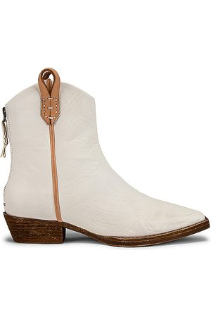 Free People Donna Stivaletti - X We The Free Wesley Ankle Boot in - Ivory. Size 38 (also in 37.5, 41).
