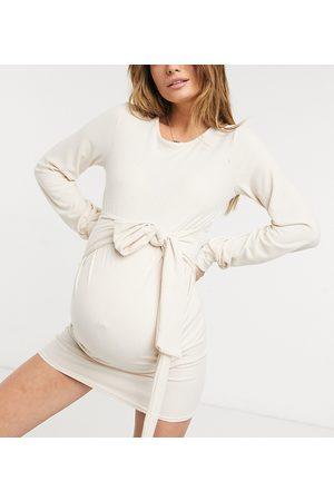 In The Style Maternity X Dani Dyer - Vestito felpa grigio pietra con cintura