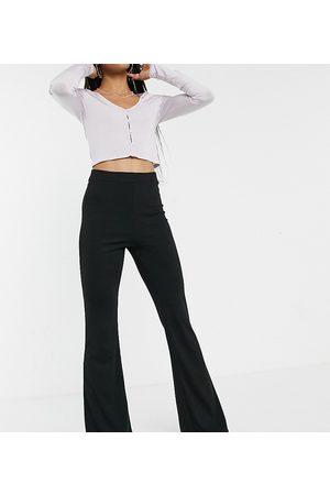 Outrageous Fortune Esclusiva - Pantaloni a zampa con fondo ampio color
