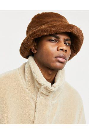 ASOS Cappello da pescatore in pelliccia sintetica