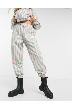 Crooked Tongues Joggers oversize con logo e stampa animalier in coordinato