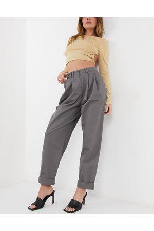 ASOS Donna Leggings & Treggings - Pantaloni a uovo ardesia con pinces e pieghe sul davanti