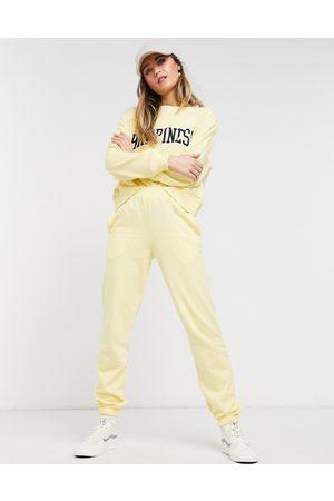 New Look Joggers con fondo elasticizzato chiaro in coordinato