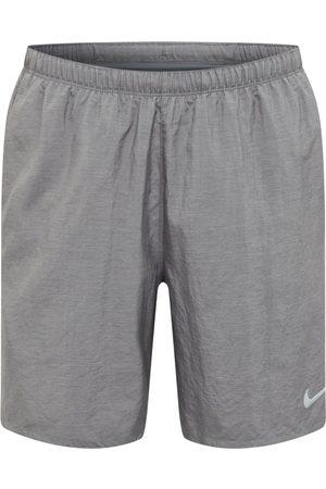 Nike Uomo Shorts - Pantaloni sportivi 'Challenger