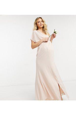 ASOS ASOS DESIGN Maternity - Vestito lungo a maniche corte da damigella con scollo ad anello e bottoni sul retro
