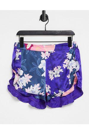 Liquorish Pantaloncini del pigiama con motivo patchwork con stampa a fiorellini