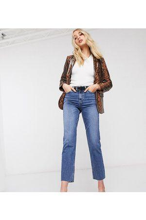 Topshop Jeans dritti medio con fondo grezzo