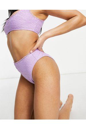 ASOS Slip bikini sgambati a vita alta testurizzati con arricciature lilla
