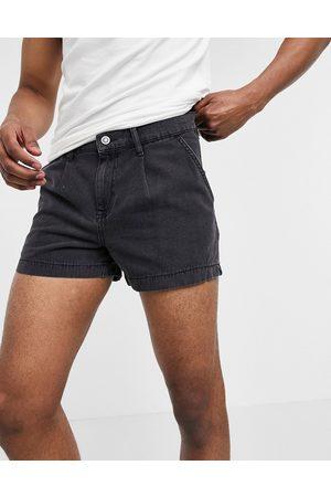 ASOS Pantaloncini di jeans con pince slavato