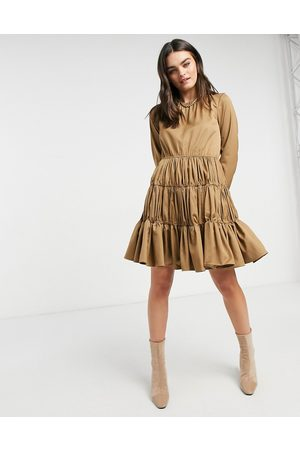 Y.A.S Vestito corto a balze plissettato color cammello-Neutro
